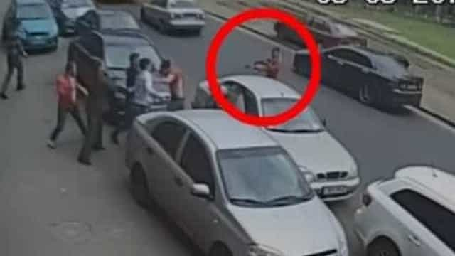 Jornalistas são baleados por filmarem acidente de trânsito