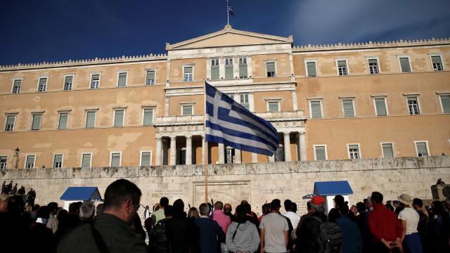 FMI pressiona zona do euro a conceder alívio da dívida à Grécia até 2040