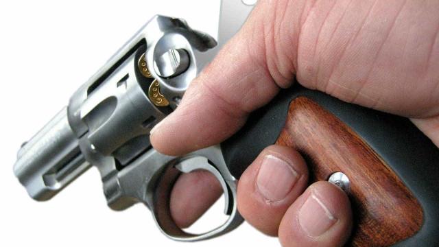 Dupla invade casa e mata três pessoas em Aracaju