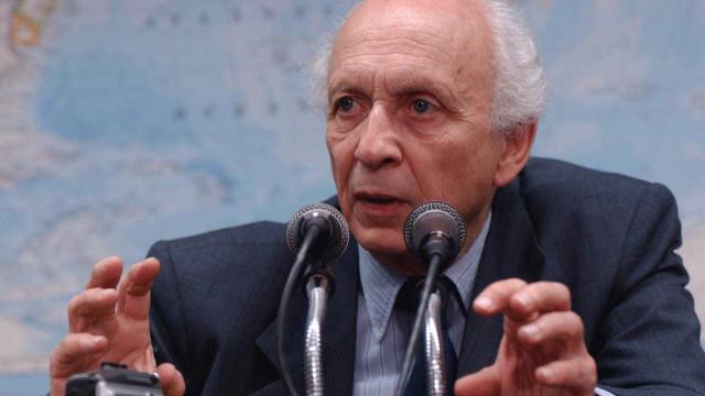 Ricupero rebate críticas de Amorim a 1º discurso de Serra como chanceler