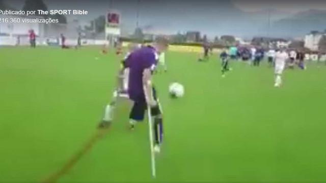 Amputado de uma perna, jogador marca gol incrível