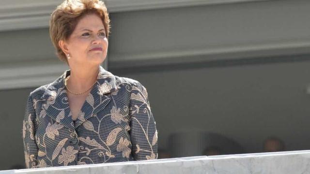 """Dilma tem até hoje para explicar ao STF uso do termo """"golpe"""""""