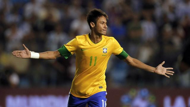 Cérebro de craques como Neymar já sabem o que  fazer durante um jogo
