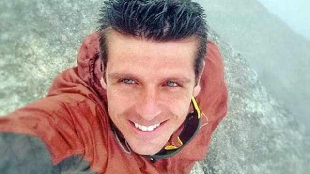 Capitão da Marinha morre em voo de wingsuit na Pedra da Gávea, no Rio