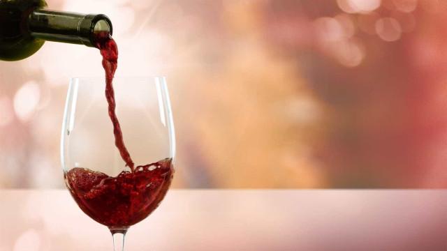 O que nos faz beber mais e mais vinho?