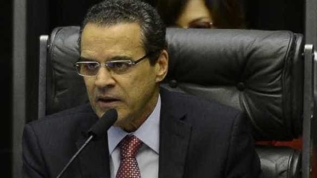 Antes da demissão, Henrique Alves disse que delator 'enlouqueceu'