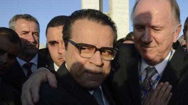 Ex-ministro de Temer se esconde em banheiro  aos gritos de 'golpista'
