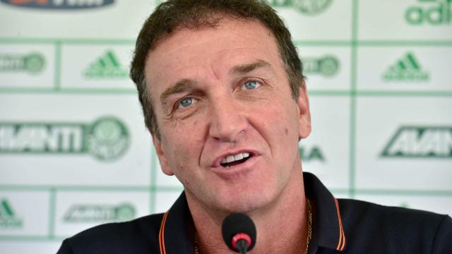 Cuca é liberado para comandar  time contra Flamengo e Corinthians