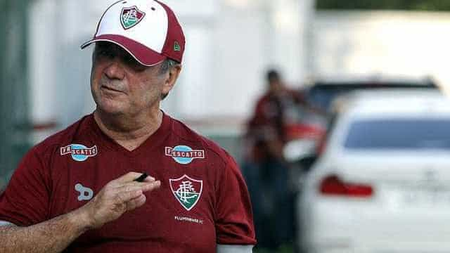 Levir volta a culpar chances perdidas por derrota do Fluminense