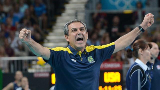Zé Roberto volta a fazer testes e Brasil vence a Turquia sem encantar