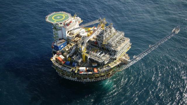 Produção brasileira de petróleo cai pelo terceiro mês seguido