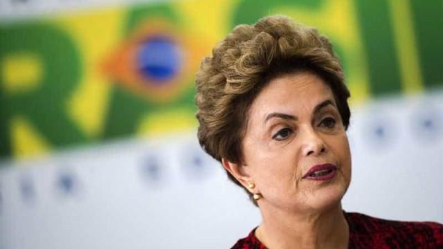 Fotos de Dilma vão permanecer nos gabinetes e salas oficiais