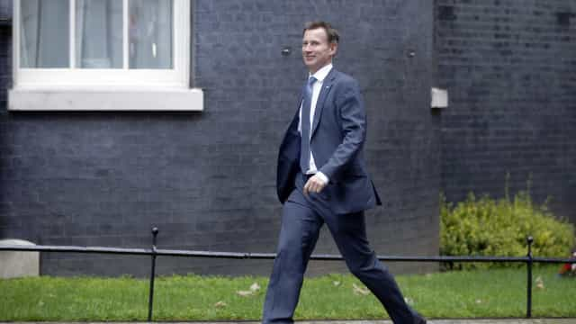 Secretário de Saúde do Reino Unido pede ser novo premiê