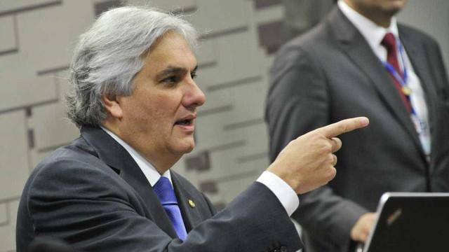 """""""Algumas CPIs só aparecem em eleição"""", diz Delcídio em audiência"""