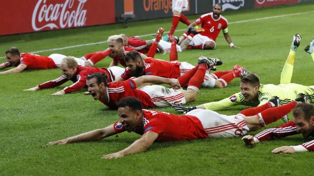 País de Gales vence a Bélgica  e garante classificação para semi