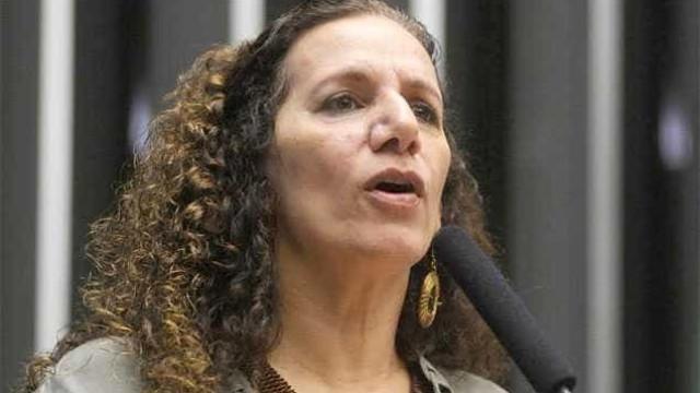 Jandira diz que pediu ajuda pessoal a delator e nega doações ilegais