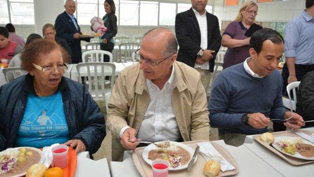 Alckmin vai negociar reajuste do Bom  Prato a partir de outubro