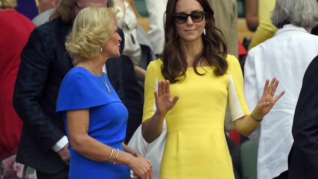 Kate Middleton prestigia jogo de Serena Williams na semi de Wimbledon
