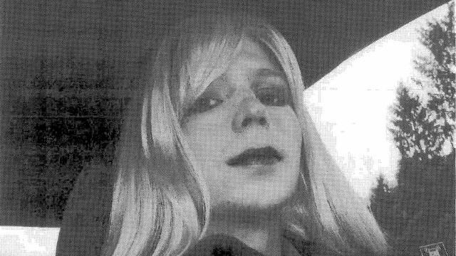 Chelsea Manning tentou se matar  na prisão, dizem advogados