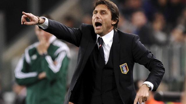Conte festeja chegada ao Chelsea e confirma Terry como capitão