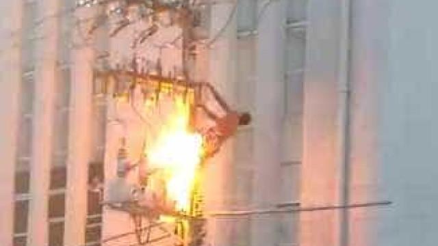 Veja momento que homem morre eletrocutado durante ato pró-Dilma
