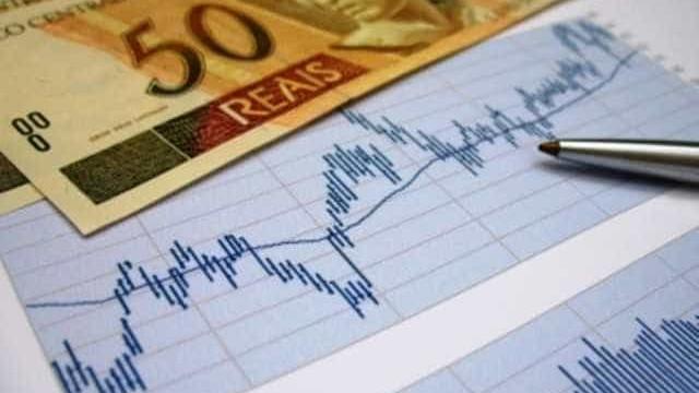 Base de Temer diz que só com fim do impeachment economia volta a crescer