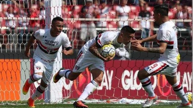 São Paulo reage e empata contra Chapecoense