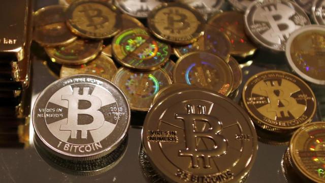 Bitcoins: emissão de moedas cai pela metade pela 2ª vez na história