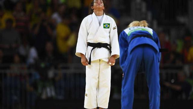 Sarah Menezes vence belga e vai às quartas de final no judô