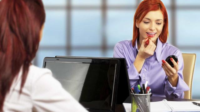 Maquiagem: evite cometer erros no  local de trabalho