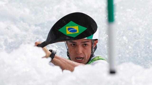 Brasileiro surpreende e se  qualifica em 5º para a semifinal