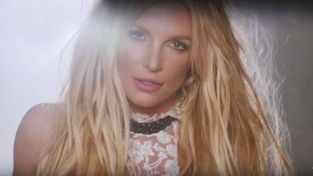 """Britney Spears libera o aguardado clipe de """"Make Me""""; assista!"""
