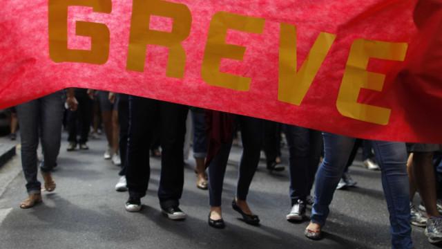 """""""Bem-vindo ao caos"""", dizem professores em protesto no Rio"""