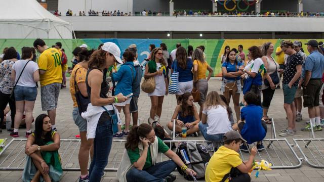Procon autua Comitê Rio-2016 por  problemas nos primeiros dias