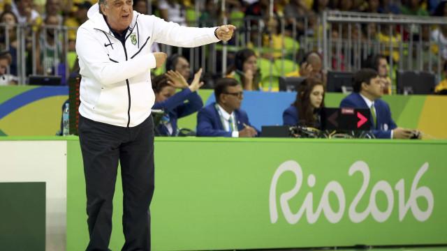 Técnico do basquete atribui  eliminação à falta de planejamento