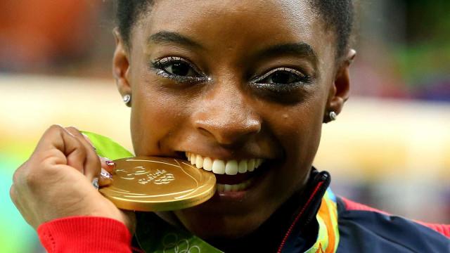Ginasta foge de comparação com Phelps: 'sou a nova Simone Biles'