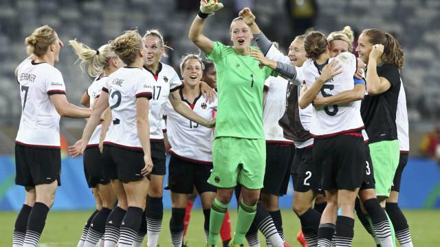 Alemanha vence Canadá, que enfrenta o Brasil pelo bronze