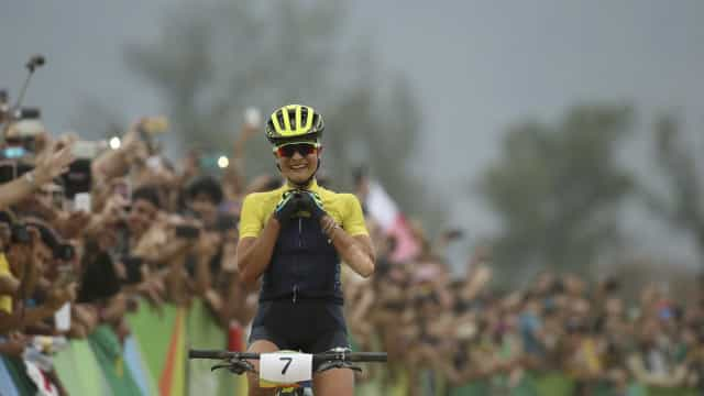 Brasileira termina ciclismo mountain bike em 20º; sueca é ouro