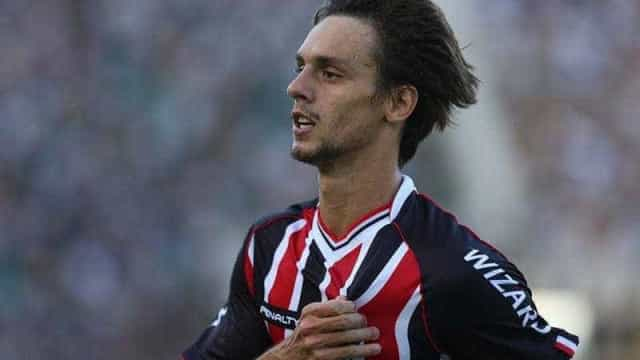 Rodrigo Caio diz ter preferência pela zaga no São Paulo
