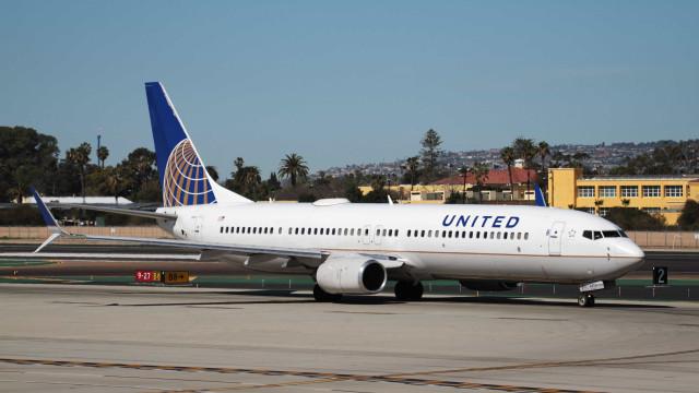 Pilotos são presos por embriaguez antes de voo da United Airlines