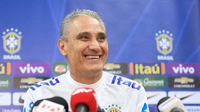 Com Paulinho e Gabriel Jesus,  Tite revela time de estreia