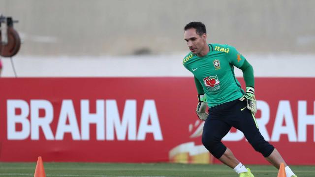 CBF quer jogador acima de 23 anos para substituir Fernando Prass