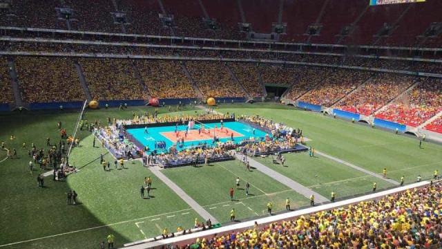 Na adeus de Serginho, Brasil vence amistoso com  40 mil pessoas