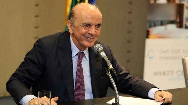 Dizer que Brasil é economia fechada é folclore, diz Serra