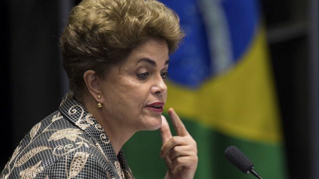 Dilma Rousseff mantém movimentação por plebiscito