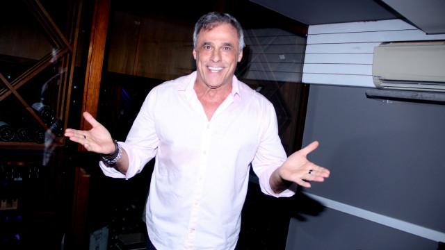Oscar Magrini comemora aniverário com festa avaliada em R$130 mil
