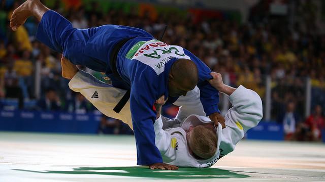 Tenório é prata e se aposenta  dos Jogos com 6 medalhas