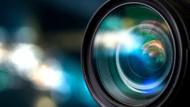 Fotógrafos fazem ato em defesa da liberdade de imprensa