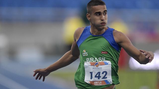 Com recorde, Brasil conquista ouro  no revezamento 4 x 100 m
