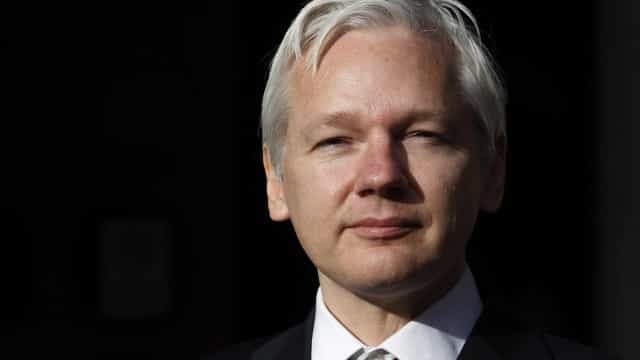 Por abuso sexual, Assange será interrogado em outubro